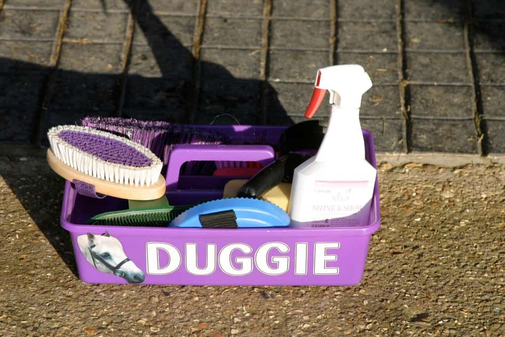 cleaning your grooming kit