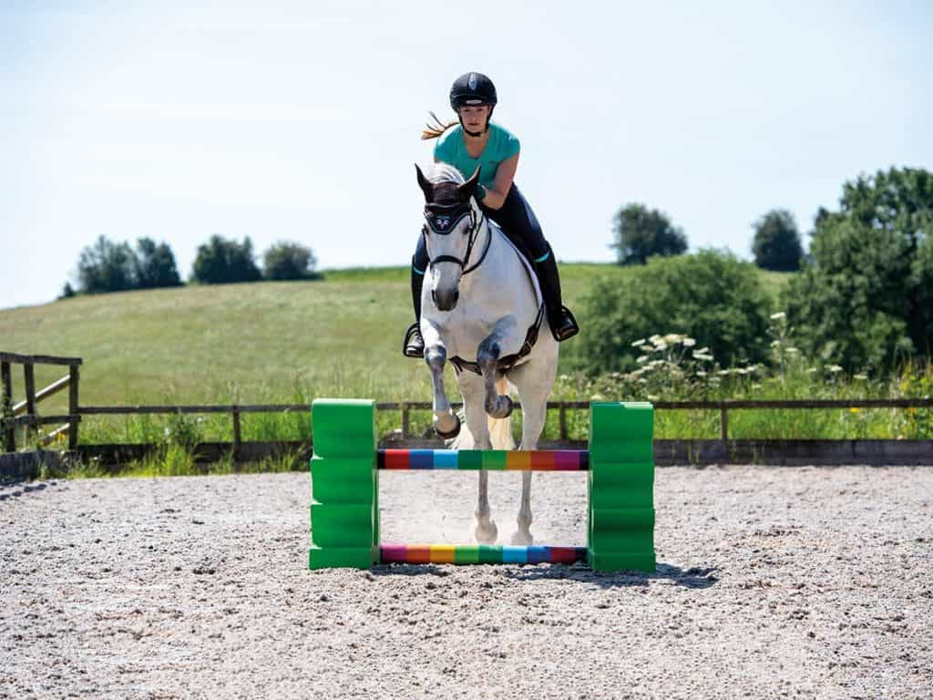 jumping skinnies Meg Elphick